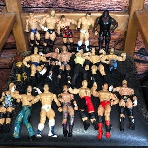 19 pcs WWE SUPERSTARS